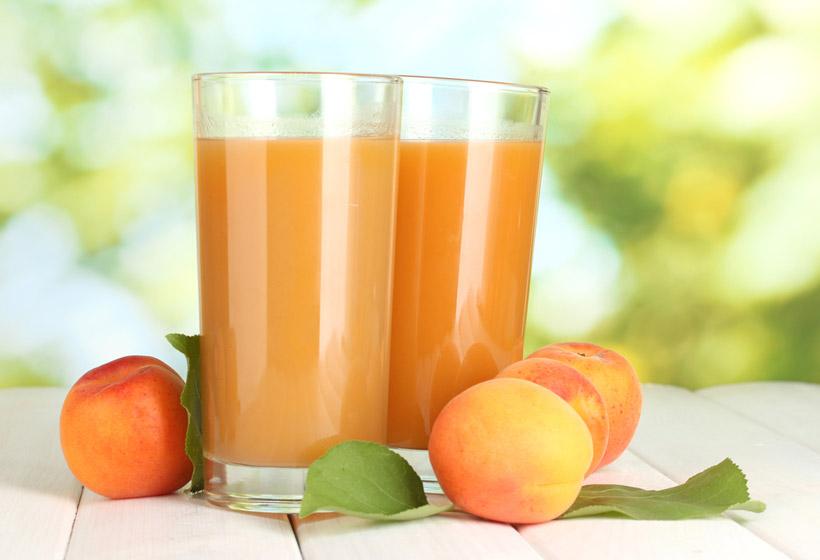 sok od breskve za dorucak